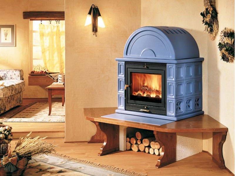 Stufa a legna con forno kam by piazzetta for Stufa a legna in ghisa usata