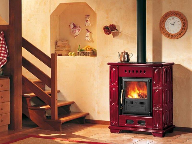 Stufa a legna per riscaldamento aria e 903 k stufa a for Stufe pirolitiche per riscaldamento