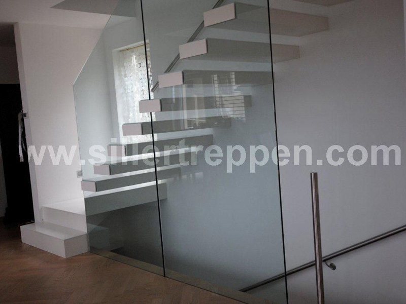 Self supporting Open staircase EUROPA ANGULAR by Siller Treppen