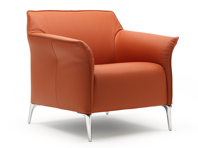 Leather armchair with armrests MAYON | Armchair by LEOLUX