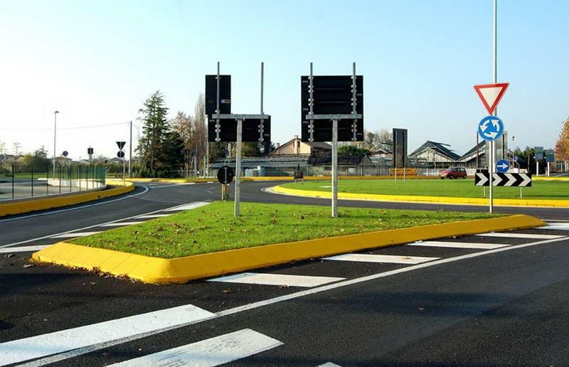 Cordolo stradale Realizzazione in Isola di traffico