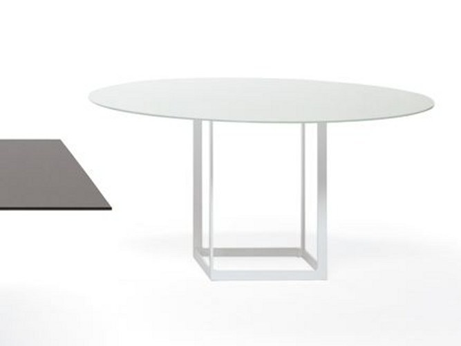 Round crystal table LEONARDO | Round table by YDF