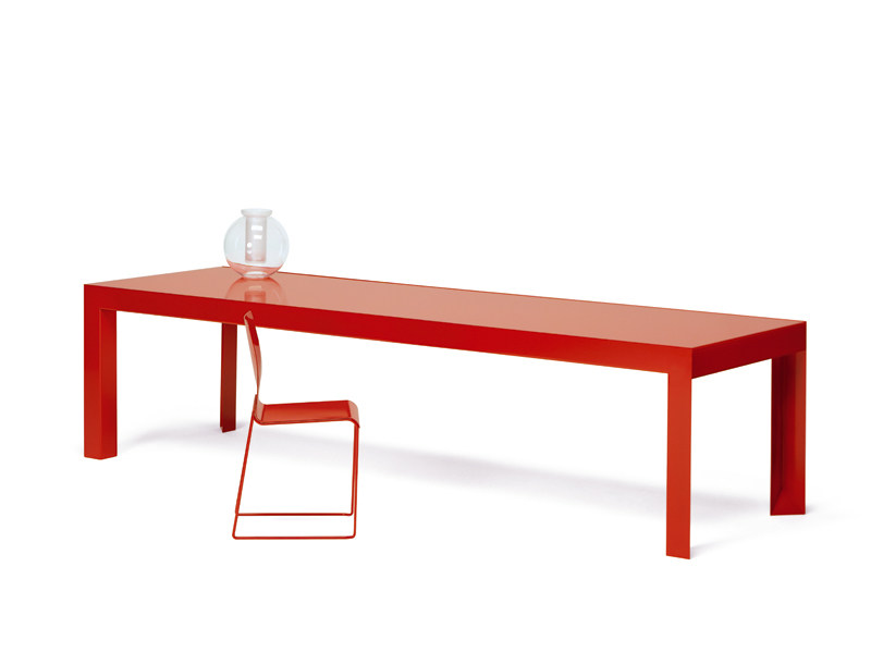 Lacquered table RICCARDO | Table by YDF