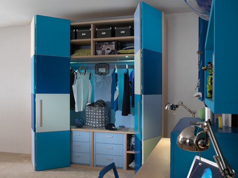 Lacquered wardrobe with folding doors 9003 | Wardrobe by dearkids