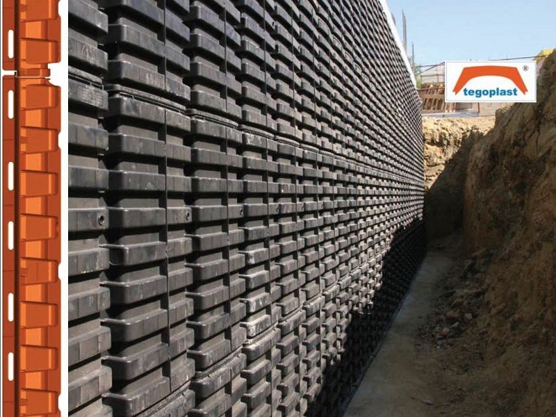 TEGOPLAST | Earth retaining wall system by Plasticform