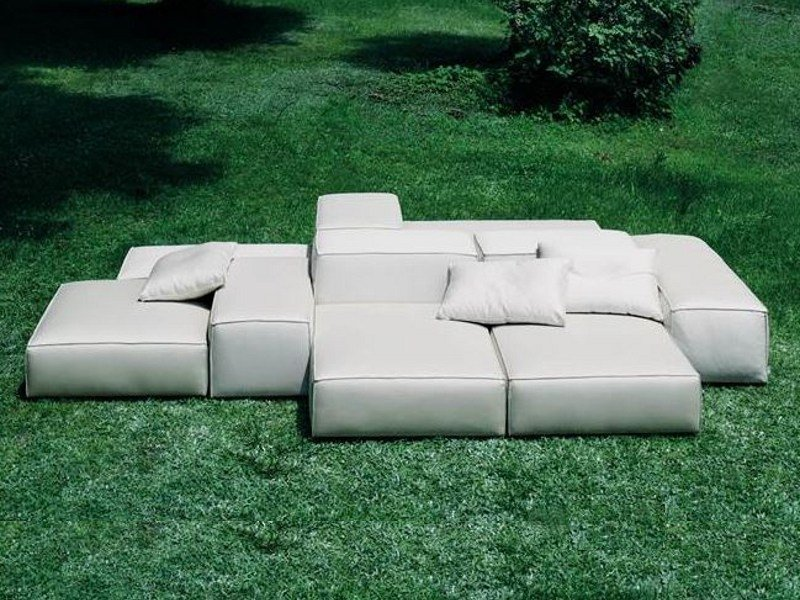 extrasoft garden sofa by living divani design piero lissoni. Black Bedroom Furniture Sets. Home Design Ideas