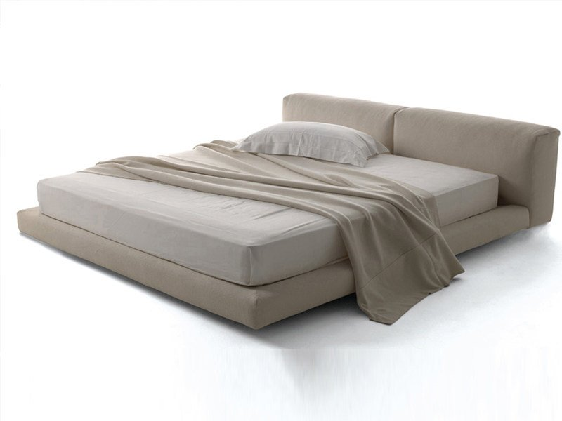 Softwall bed by living divani design piero lissoni for Living divani softwall