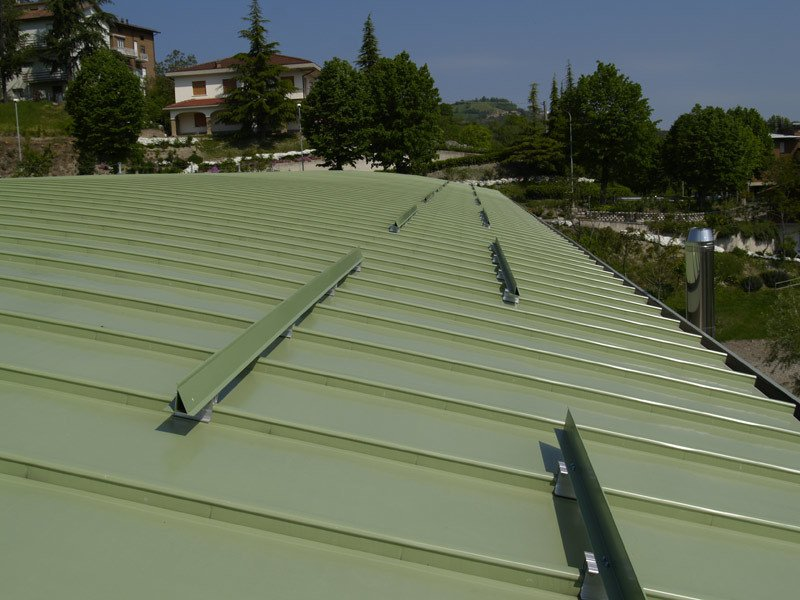 Continuous metal laminate for roof ALUGRAF by Alubel