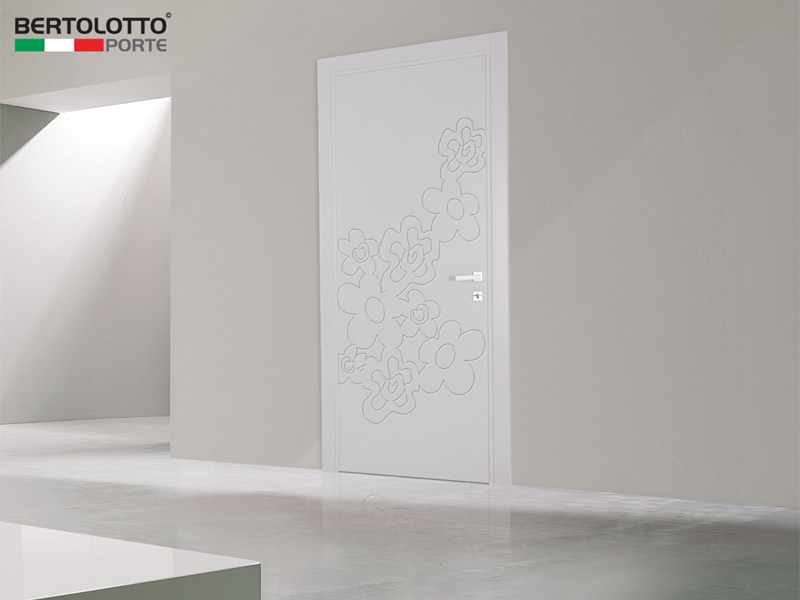 Hinged lacquered door TROLIUS by Bertolotto Porte