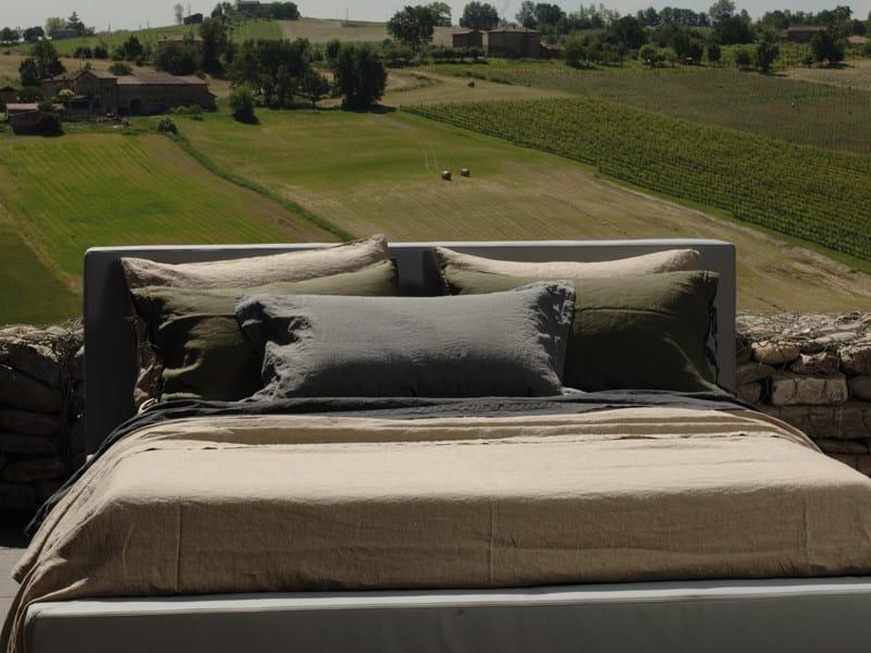 Solid-color linen bedding set BORDI&CORNICI | Bedding set by LA FABBRICA DEL LINO