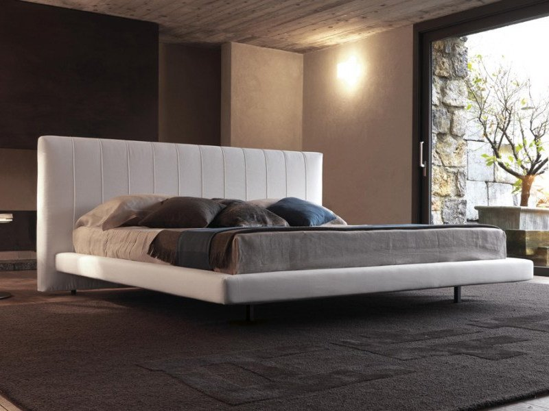 Upholstered bed with high headboard ALUN UP by Désirée divani