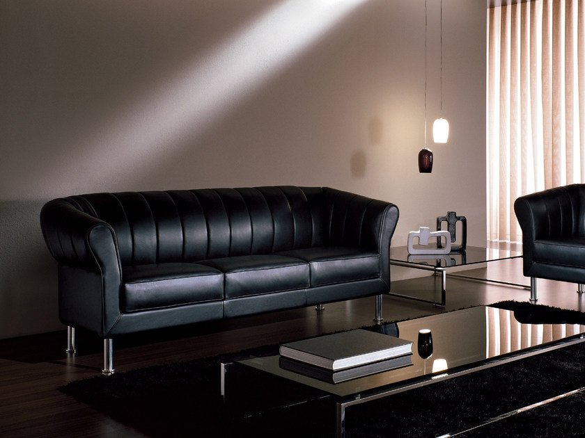 3 seater leather sofa CHESTERMAN | 3 seater sofa by i 4 Mariani