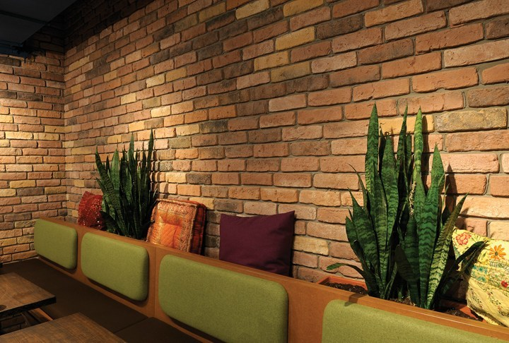 Reconstructed stone wall tiles with brick effect GRANULIT 50 by Weser