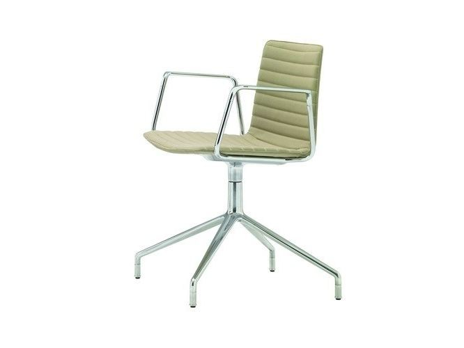 Chair with 4-spoke base with armrests FLEX   Chair with armrests by Andreu World