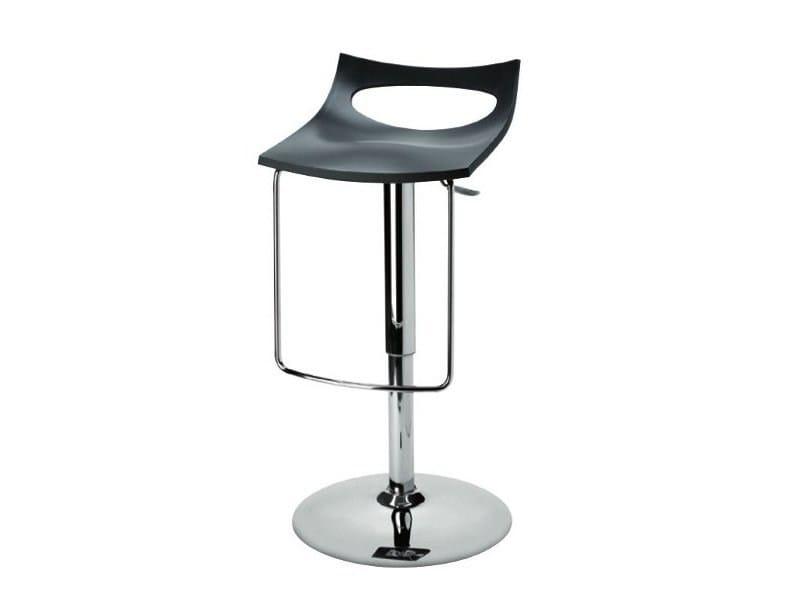 Height-adjustable swivel stool DIAVOLETTO U by SCAB DESIGN