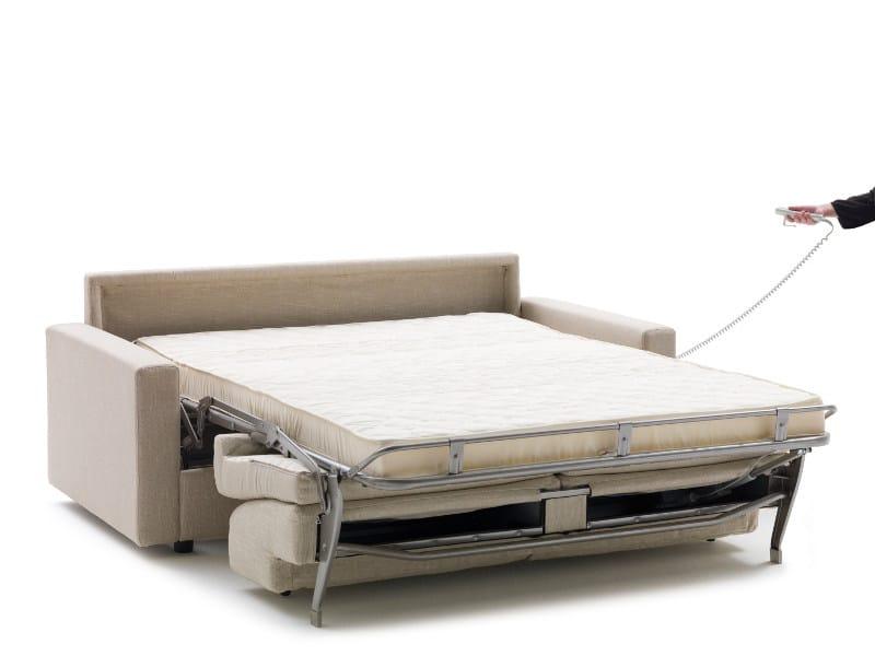 Divano letto con movimento elettrico lampo motion milano for Divano elettrico