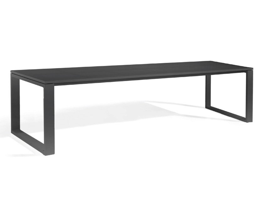 Rectangular aluminium garden table FUSE | Rectangular table by MANUTTI