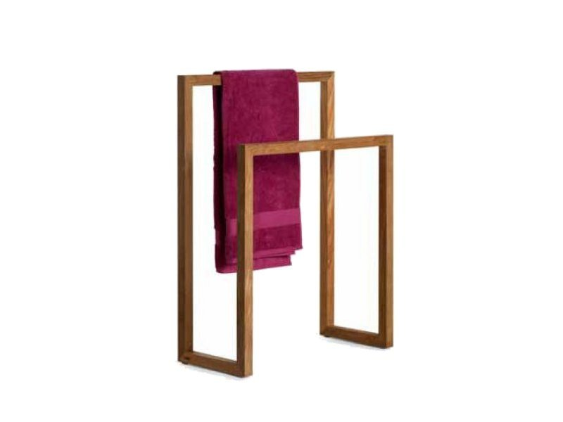 Standing teak towel rack Towel rack by TRIBÙ