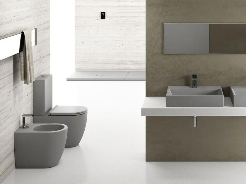 Sanitari Ceramica Cielo Prezzi.Wc Monoblocco In Ceramica A Pavimento Smile Mini Wc Monoblocco