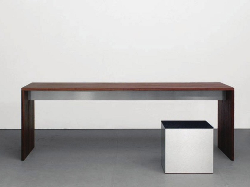 Solid wood table FORMAT | Table by Sanktjohanser
