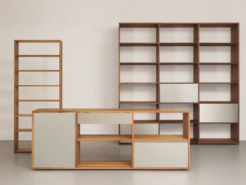 Modular solid wood bookcase DASREGAL by Sanktjohanser