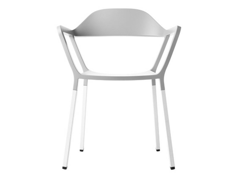 Stackable chair with armrests P77 by Johanson Design