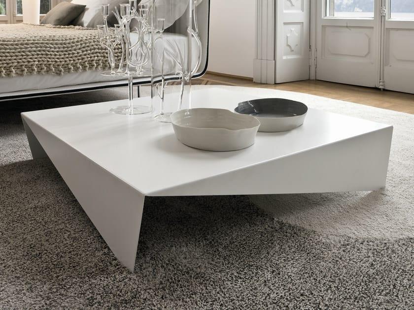 Low square coffee table VOILÀ by Bonaldo