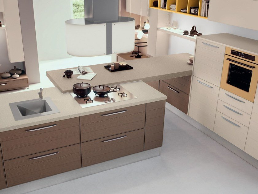 Lacquered wooden fitted kitchen ADELE PROJECT | Wooden kitchen by Cucine Lube