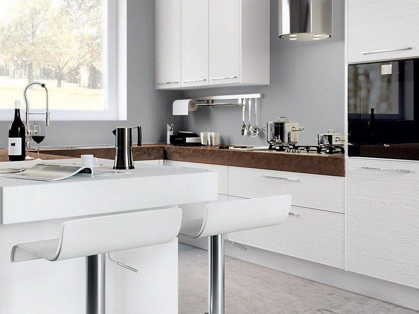 ADELE PROJECT | Lacquered kitchen By Cucine Lube