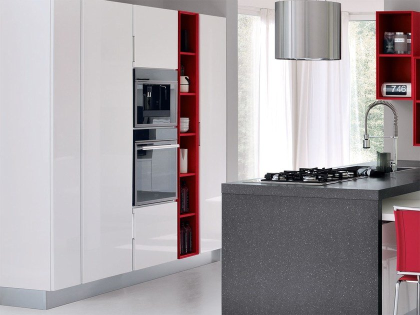 Wooden fitted kitchen without handles ESSENZA | Kitchen with island by Cucine Lube