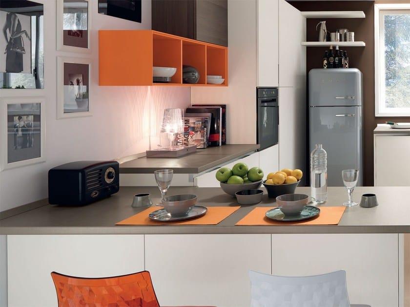 Cucina componibile laccata in legno ESSENZA | Cucina componibile ...