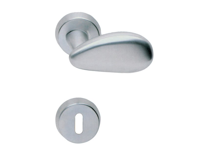 Door handle on rose with lock VIESTE by RDS