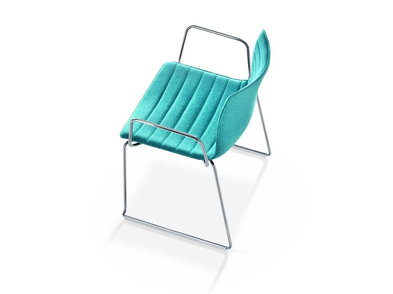 Sled base chair with armrests