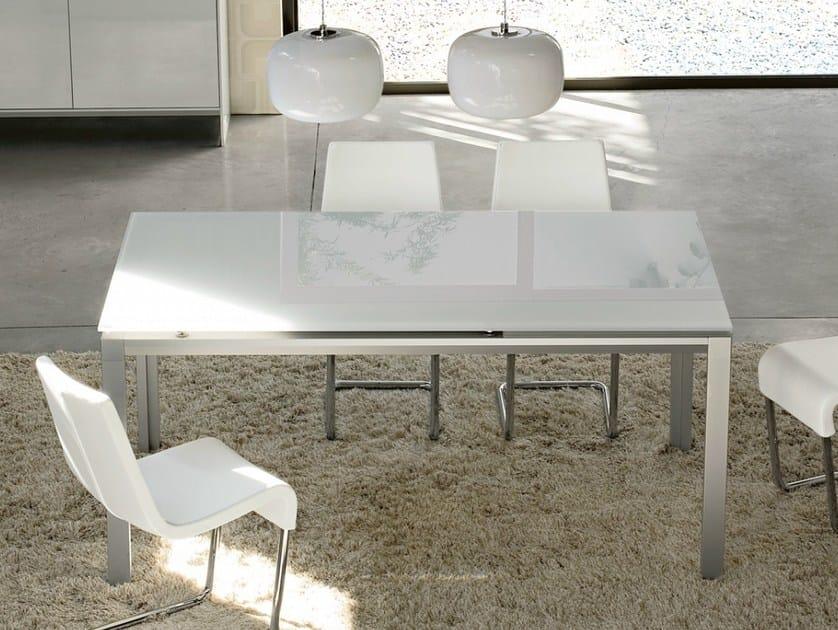 Extending rectangular table CHAT by Bonaldo