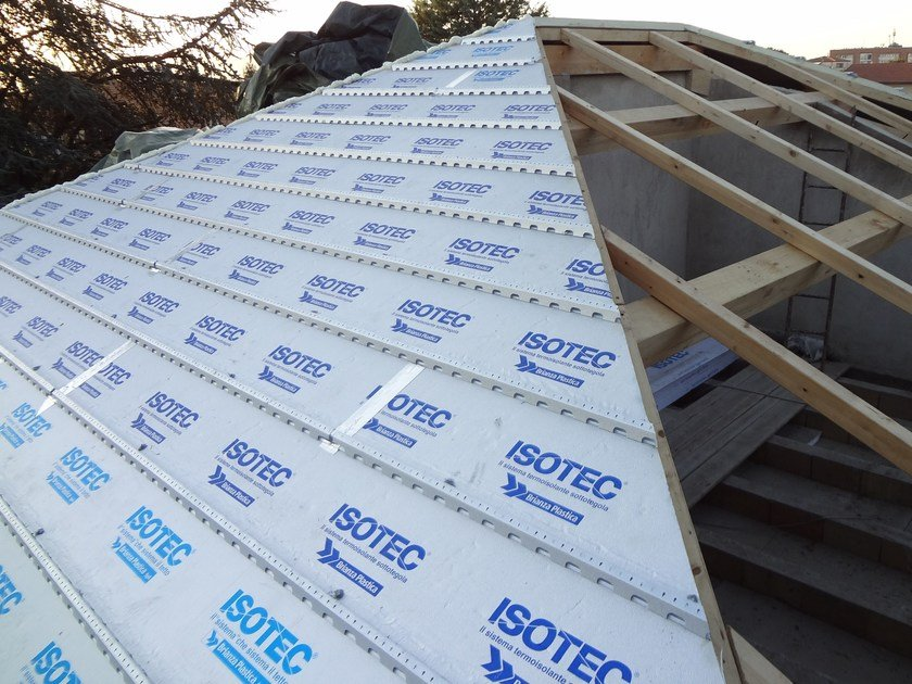 Polyurethane foam Ventilated roof system ISOTEC® by Brianza Plastica