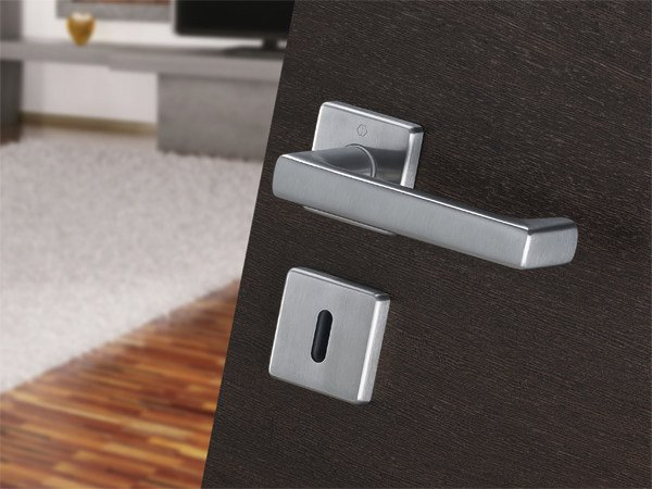 Steel door handle on rose with lock DETROIT | Steel door handle by Hoppe