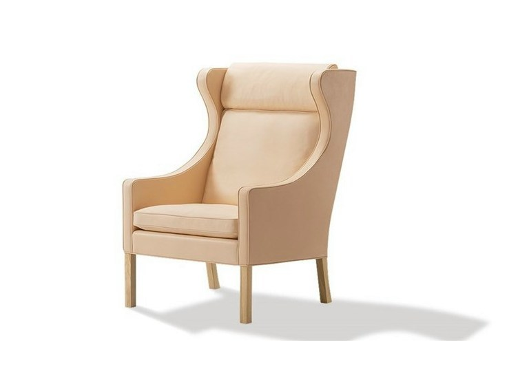 Wingchair with armrests with headrest 2204 | Armchair by FREDERICIA FURNITURE