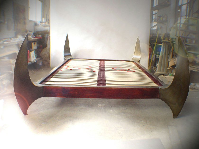 Design double bed SLEEP SAFELY by ICI ET LÀ