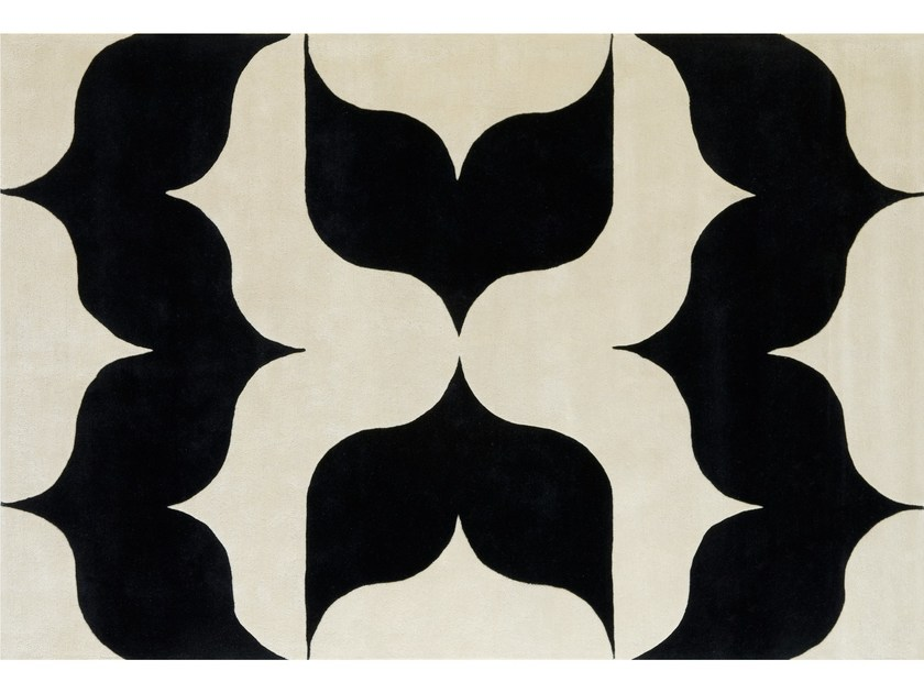 Patterned wool rug UN PAPILLON by NOW CARPETS