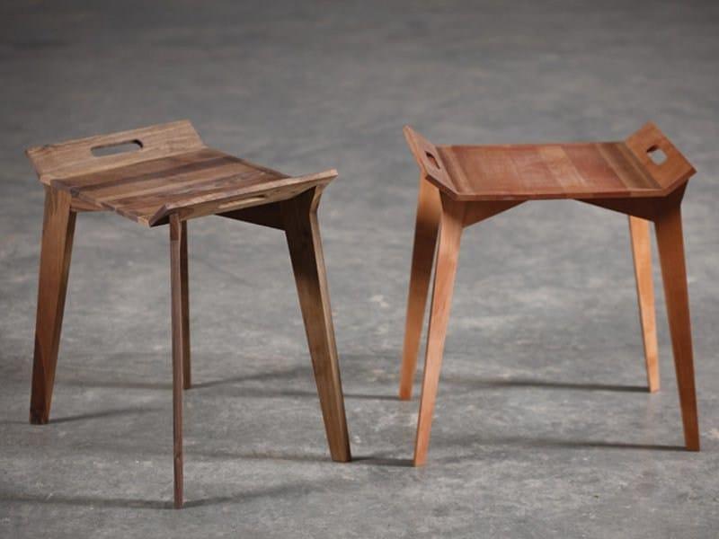 Square walnut coffee table TANZ by Artisan