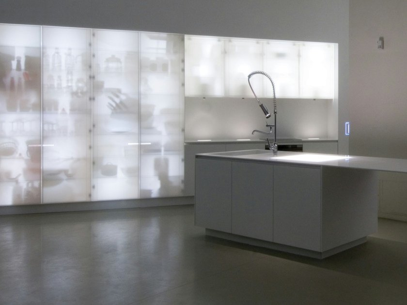 Corian® kitchen with island CORIAN® NOUVEL LUMIERES by ERNESTOMEDA