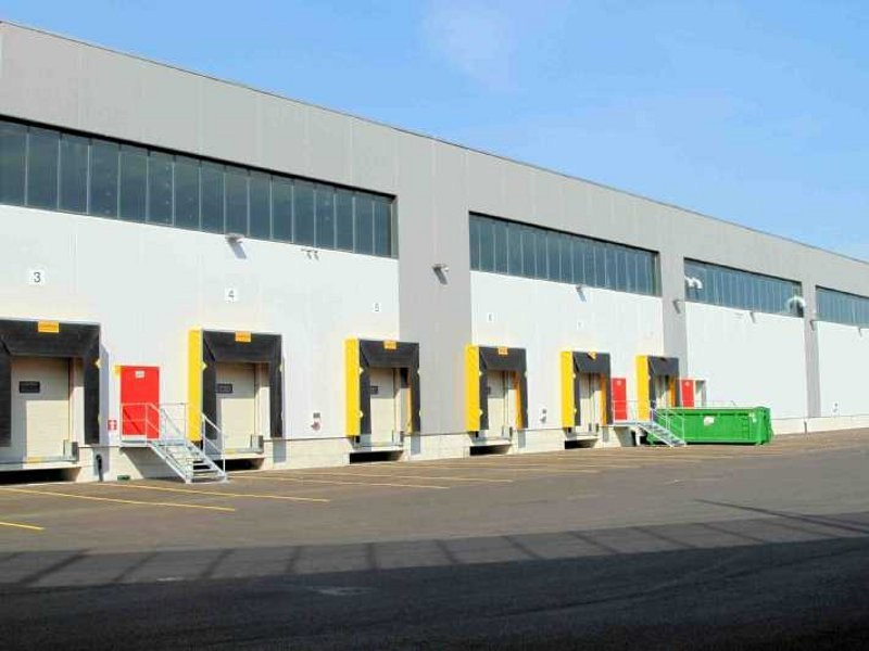Loading dock system RECESSED LOADING BAYS by CAMPISA