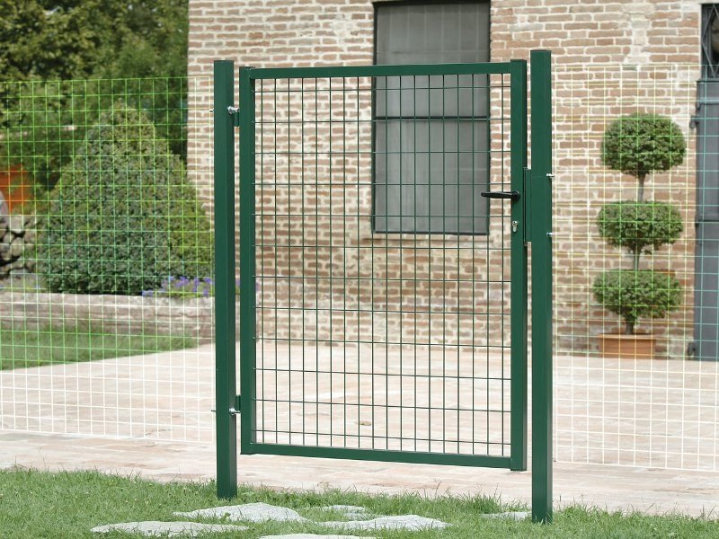 Swing steel gate VEHICLE ENTRANCE GATES by Gruppo CAVATORTA