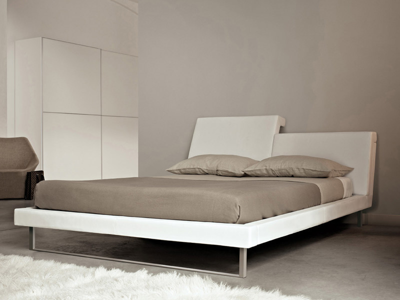 Bed with adjustable headrest R.E.M. by ESTEL GROUP
