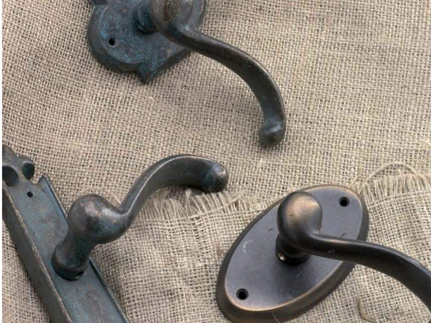 Classic style door handle WAVE ALPINE by GIARA