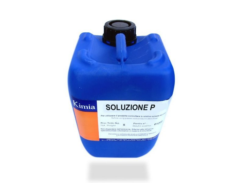 Surface cleaning product SOLUZIONE P by Kimia