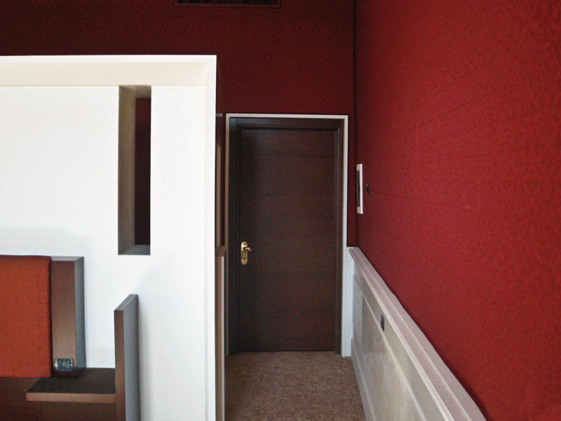 Fire-rated wooden entry door ISOFIRE® LZ by Sanco