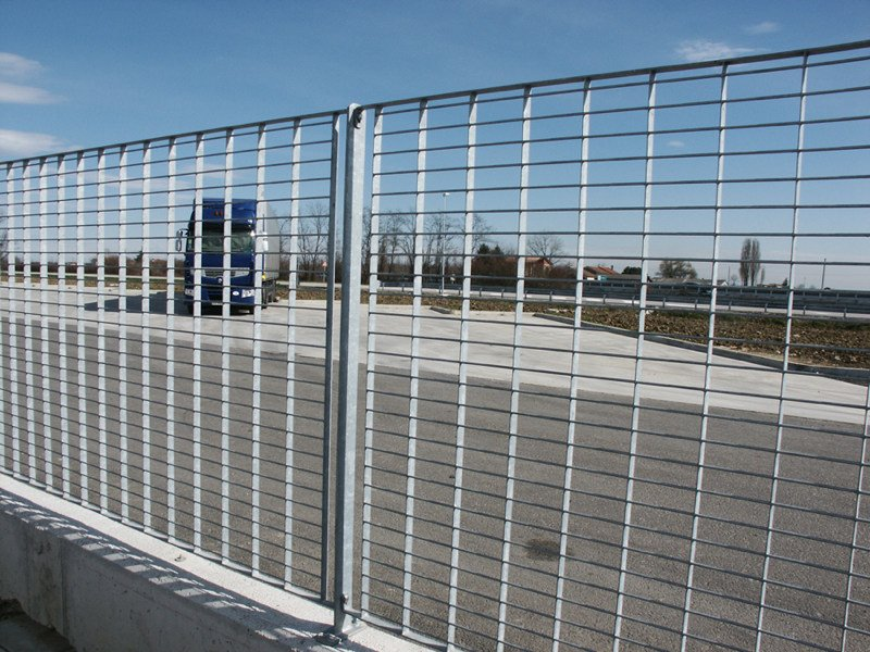 Modular steel Fence FREE by GRIGLIATI BALDASSAR