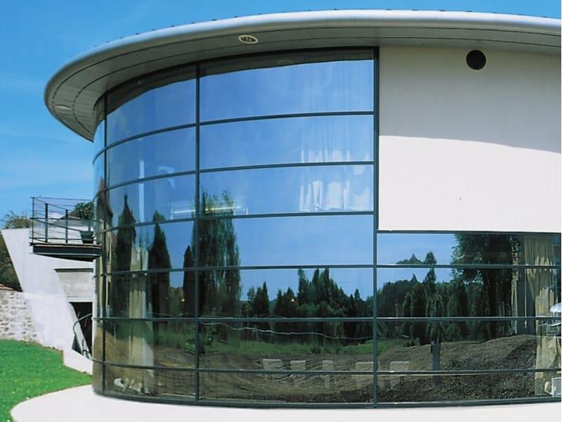 vitrage saint gobain machine de levage des plaques de verre de metres pour les amener sur la. Black Bedroom Furniture Sets. Home Design Ideas