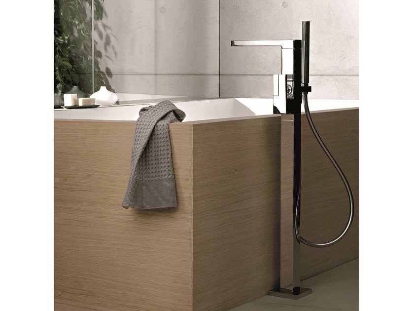 Floor standing bathtub mixer with hand shower AR/38 | Floor standing bathtub mixer by Fantini Rubinetti